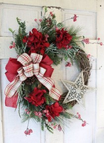 Brilliant Christmas Front Door Decor Ideas05