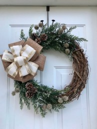 Brilliant Christmas Front Door Decor Ideas22