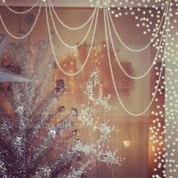 Fascinating White Vintage Christmas Ideas11