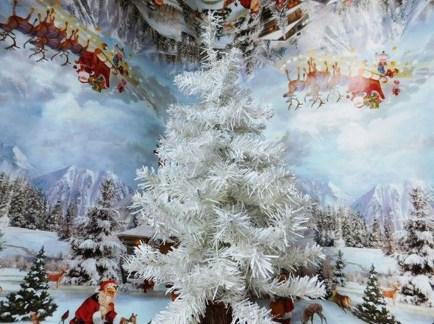 Fascinating White Vintage Christmas Ideas40