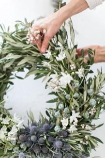Inspiring Christmas Wreaths Ideas For All Types Of Décor06