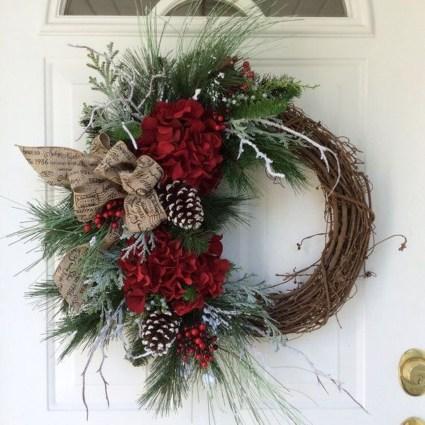 Inspiring Christmas Wreaths Ideas For All Types Of Décor09