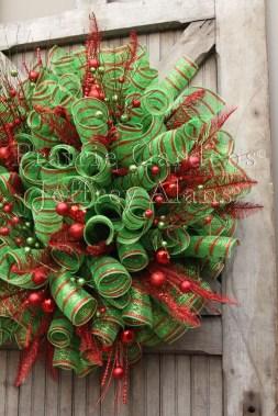 Inspiring Christmas Wreaths Ideas For All Types Of Décor17