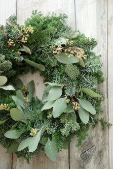 Inspiring Christmas Wreaths Ideas For All Types Of Décor29