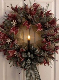Inspiring Christmas Wreaths Ideas For All Types Of Décor33