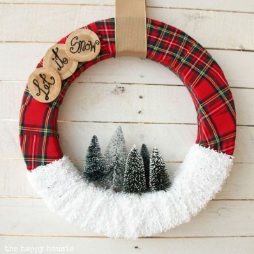 Inspiring Christmas Wreaths Ideas For All Types Of Décor36