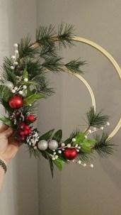 Inspiring Christmas Wreaths Ideas For All Types Of Décor42