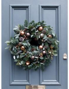 Inspiring Christmas Wreaths Ideas For All Types Of Décor43