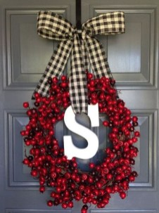 Inspiring Christmas Wreaths Ideas For All Types Of Décor44