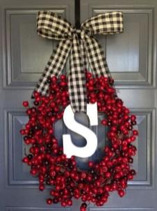 Inspiring Christmas Wreaths Ideas For All Types Of Décor44
