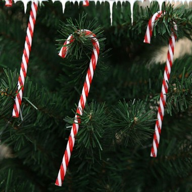 Perfect Candy Cane Christmas Decor Ideas For Your Home14