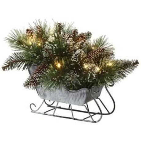 Unique Sleigh Decor Ideas For Christmas08