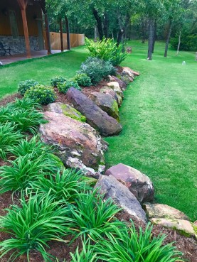 Amazing Grass Landscaping For Home Yard13
