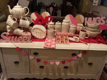 Amazing Valentine Coffee Table Design Ideas07