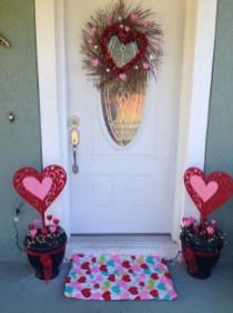 Amazing Valentine Porch Ideas22