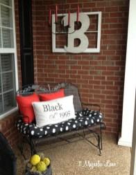 Amazing Valentine Porch Ideas26