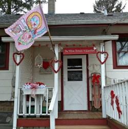Amazing Valentine Porch Ideas29