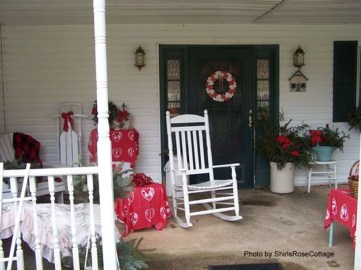 Amazing Valentine Porch Ideas44