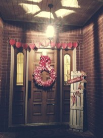 Amazing Valentine Porch Ideas46