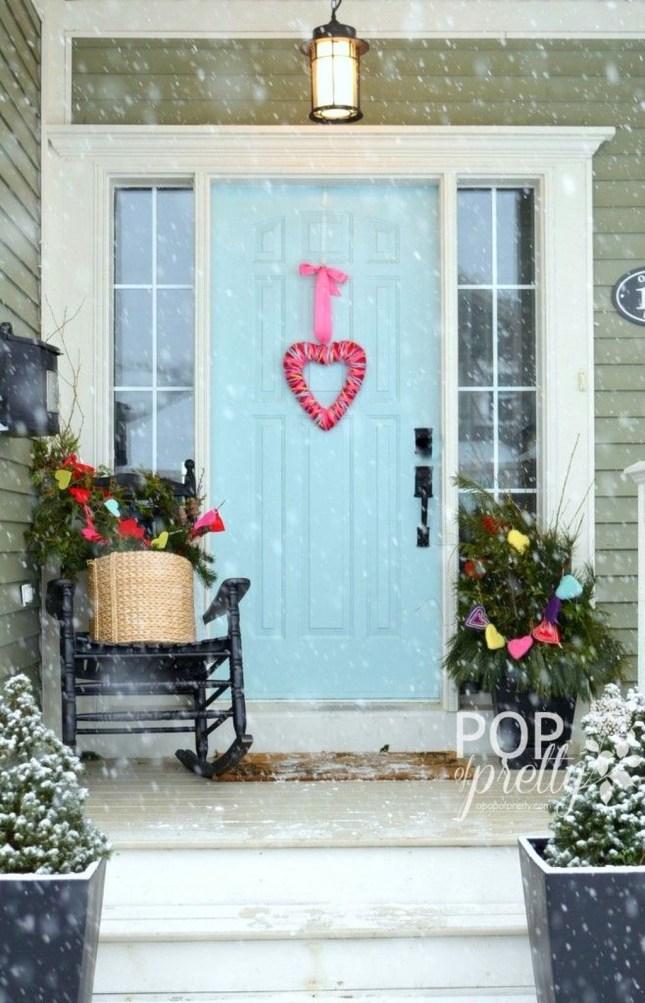 Amazing Valentine Porch Ideas47