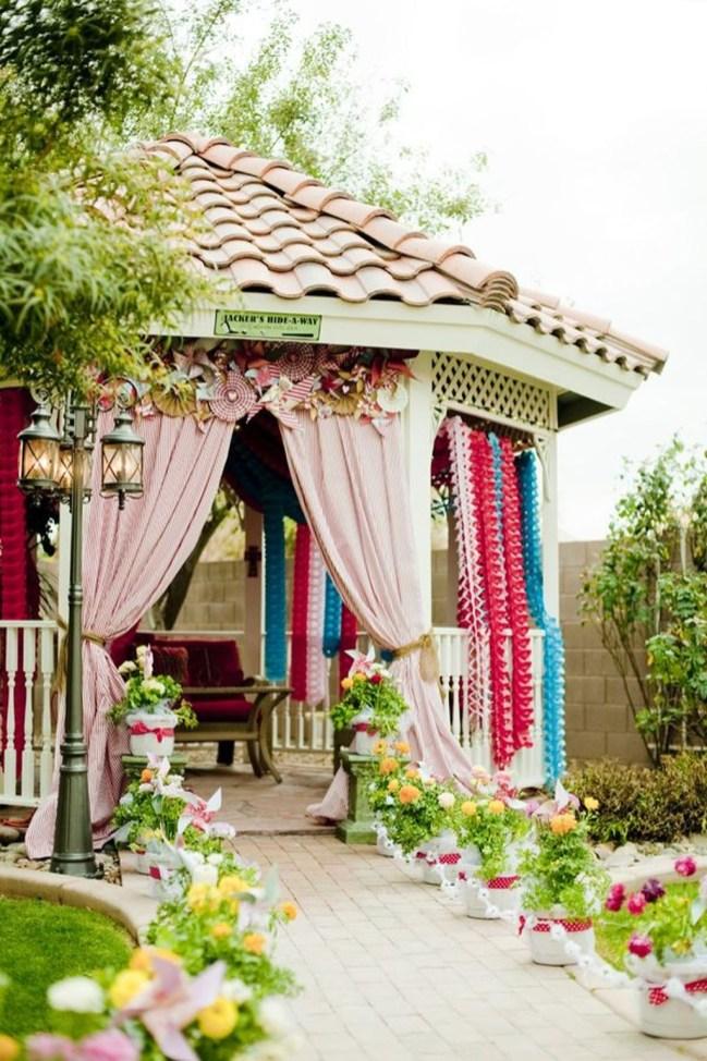 Amazing Valetine Frontyard Ideas19