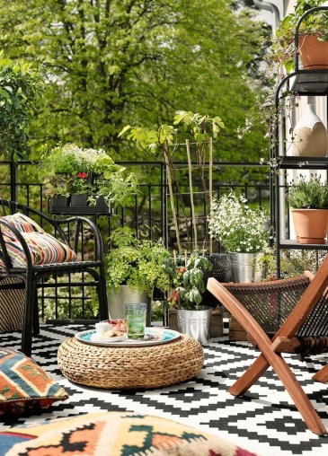 Awesome Rustic Balcony Garden08