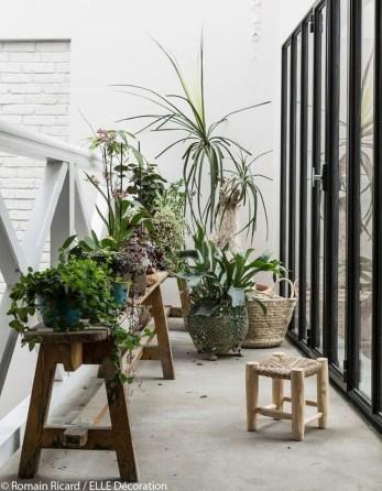 Awesome Rustic Balcony Garden32