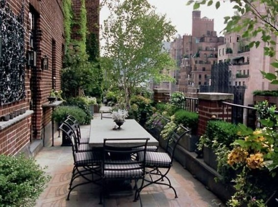 Awesome Rustic Balcony Garden35