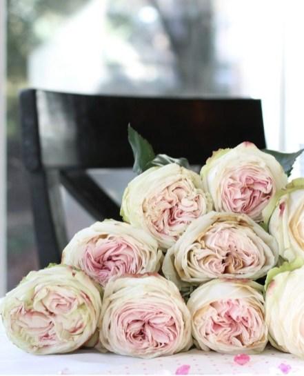 Beautiful Flower Decoration Ideas For Valentine37