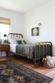 Inspiring Vintage Bedroom Decorations43