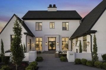 Amazing Modern Home Exterior Designs05