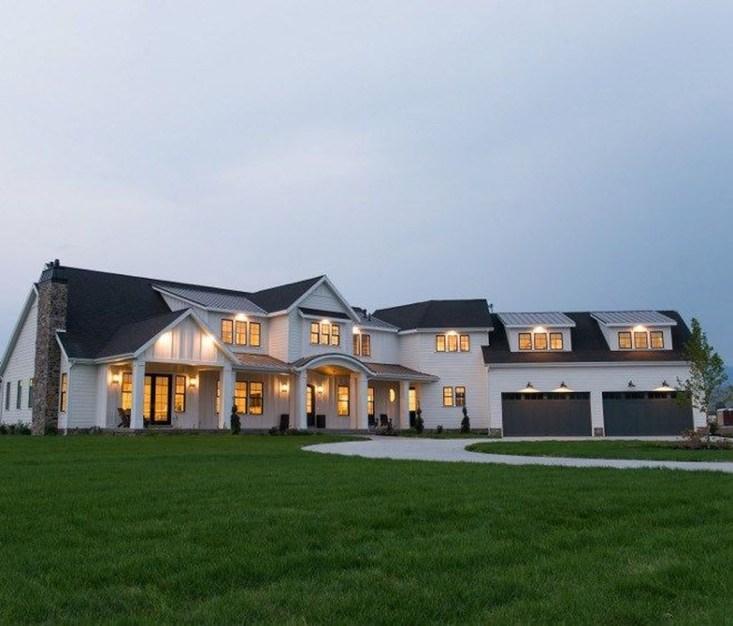 Amazing Modern Home Exterior Designs25