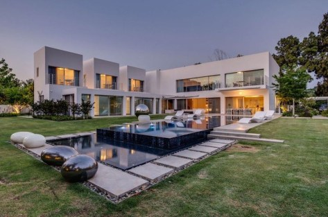 Amazing Outstanding Contemporary Houses Design31