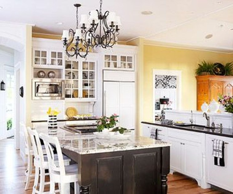Amazing Traditional Kitchen Designs For Your Kitchen Renovation43