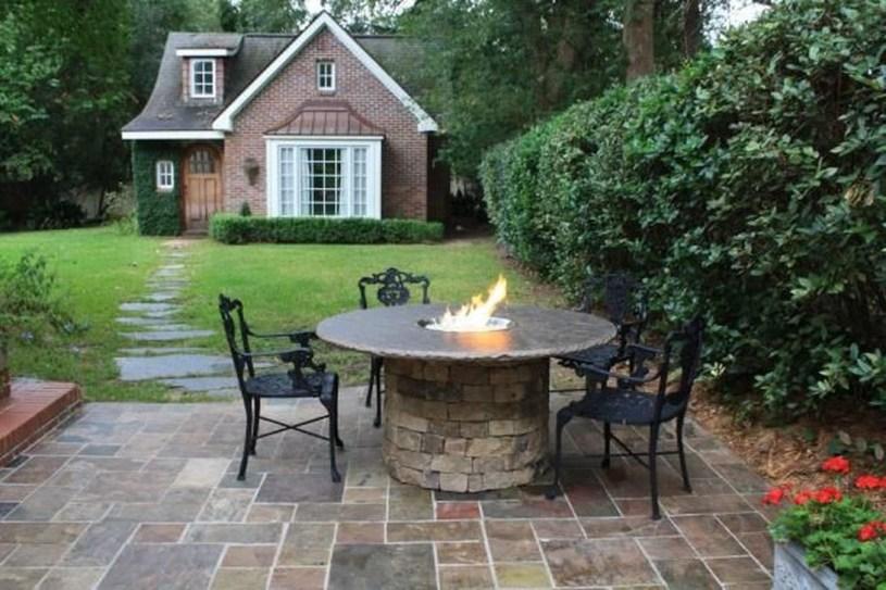 Amazing Traditional Patio Setups For Your Backyard01