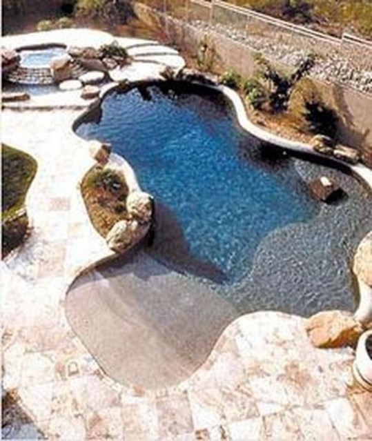 Extraordiary Swimming Pool Designs07