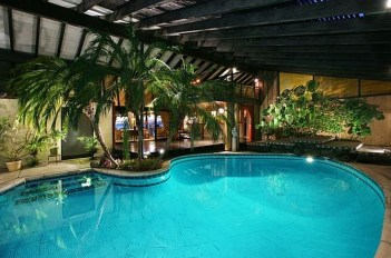 Extraordiary Swimming Pool Designs20