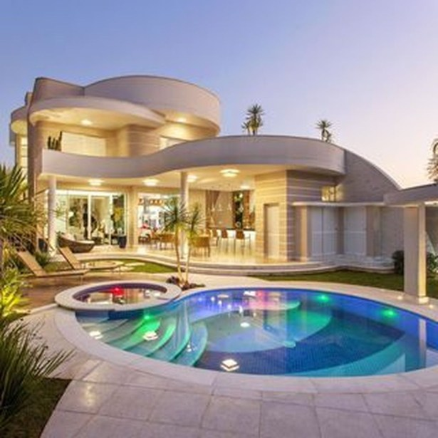 Extravagant Houses With Unique And Remarkable Design33