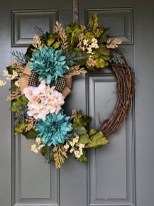 Simple Halloween Wreath Designs For Your Front Door04