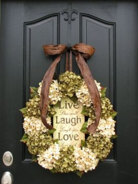 Simple Halloween Wreath Designs For Your Front Door16