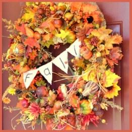 Simple Halloween Wreath Designs For Your Front Door23