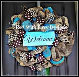 Simple Halloween Wreath Designs For Your Front Door37