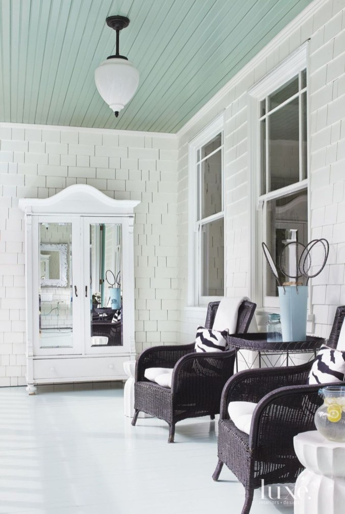 Welcoming Contemporary Porch Designs21