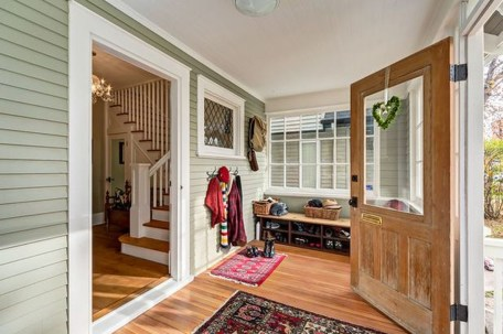 Welcoming Contemporary Porch Designs22