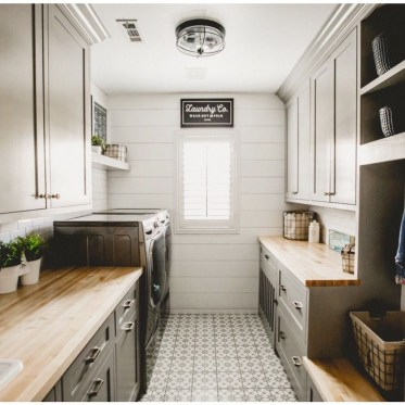 Amazing Laundry Room Tile Design49