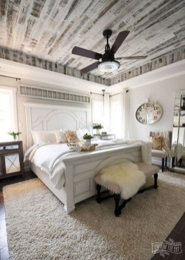 Comfy Urban Master Bedroom Ideas06