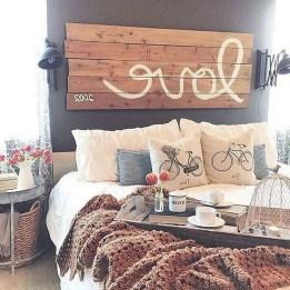 Comfy Urban Master Bedroom Ideas13