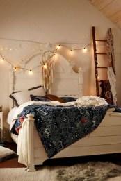 Comfy Urban Master Bedroom Ideas14
