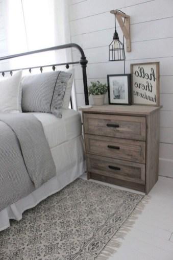 Comfy Urban Master Bedroom Ideas15