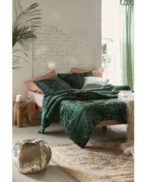 Comfy Urban Master Bedroom Ideas19